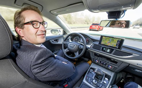 Digitalization allows driving to be made even more efficient and even safer, and is why Audi is continuing with the further development of piloted driving. This was demonstrated for example on the German A9 autobahn with Federal Transport Minister Alexander Dobrindt in April 2015.