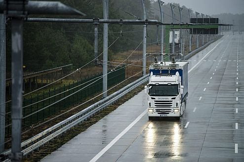 Scania will start trials on electrical roads.