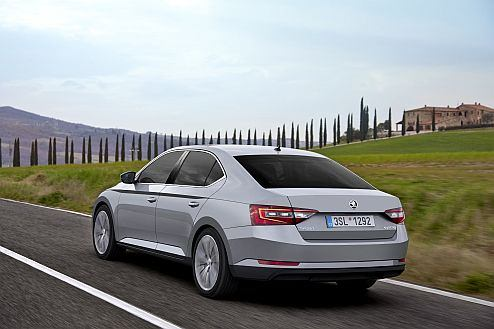Top-level safety: new ŠKODA Superb has been awarded with maximum 5-star rating in Euro NCAP crash tests.